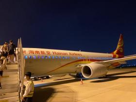 第一次睡在浦东机场——居然发现有至少500人也睡在机场