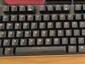 IKBC无线键盘红轴静音版,体会到了科技的友好